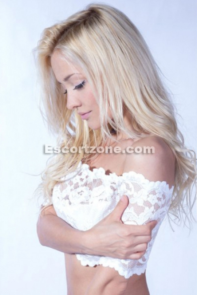 Escort Lisa - best girls in Paris