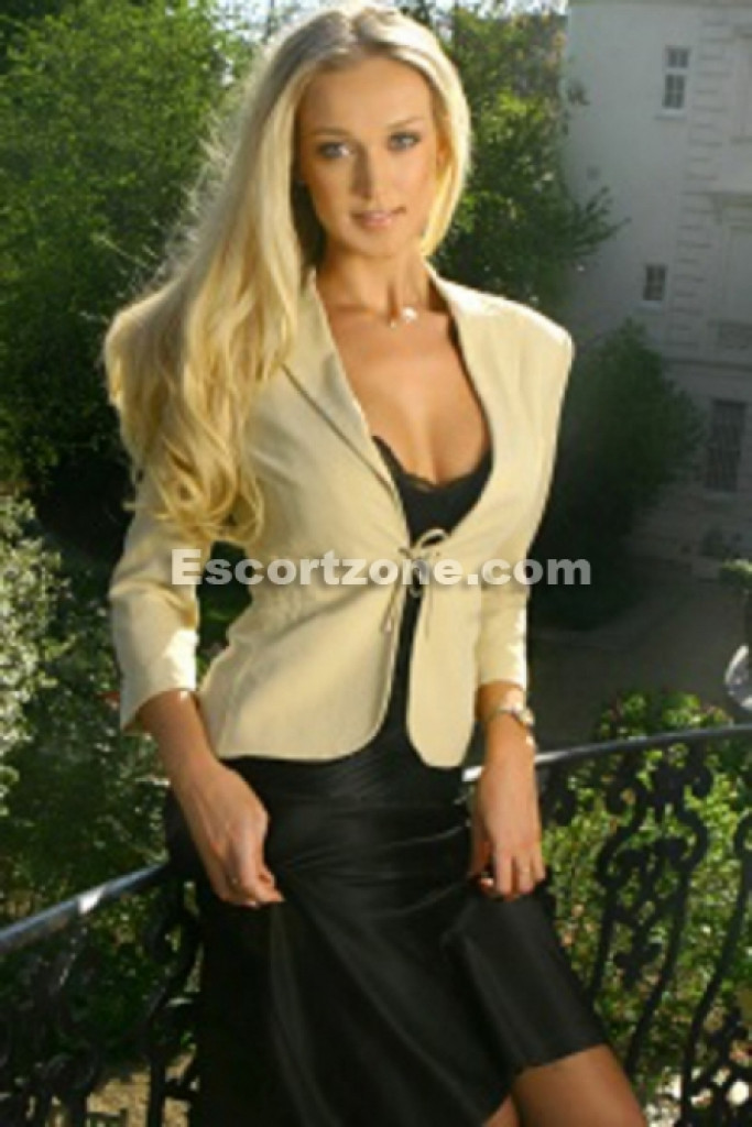 Escort Barbie - best girls in Paris