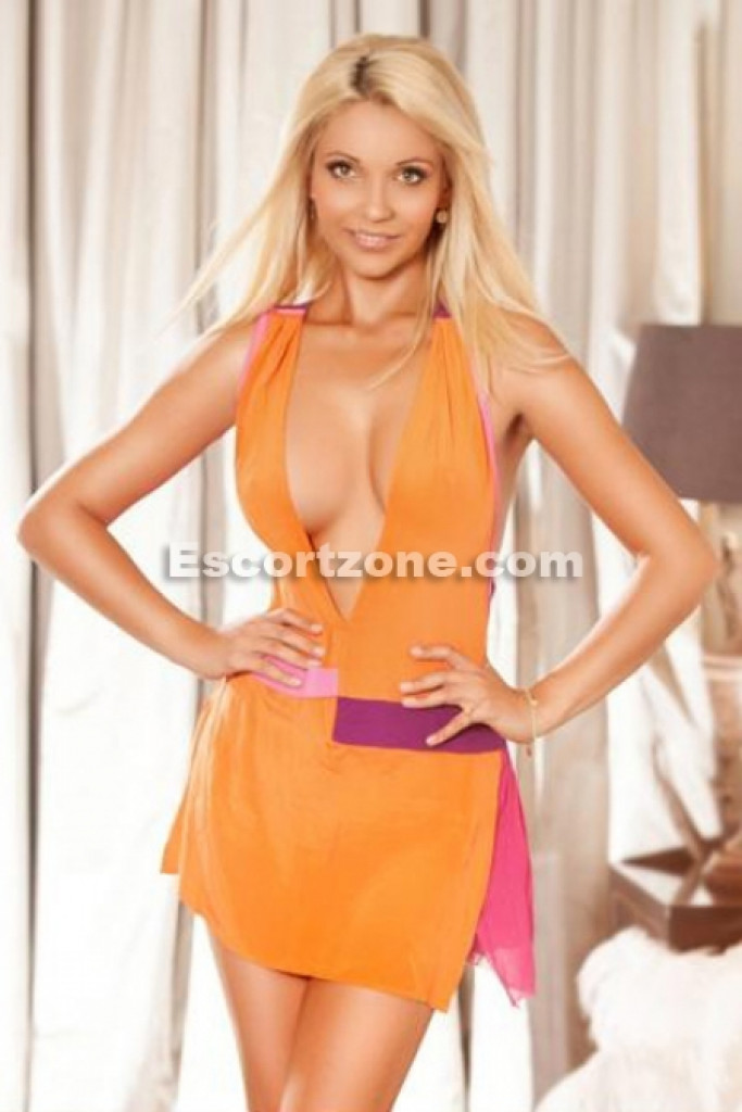 Escort Gina - best girls in Paris